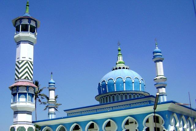 Definisi dan Hukum Fitnah (Al-Buht)